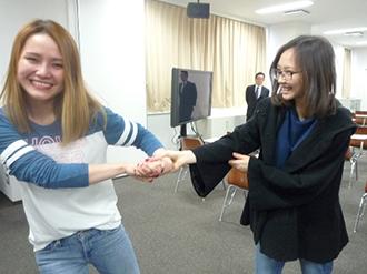 女子留学生が護身術教室に参加しましたのサムネイル