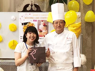 ウエディングケーキコンテストで学生が3位入賞のサムネイル