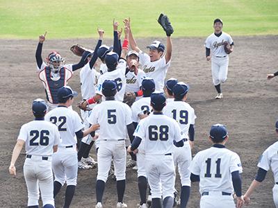 軟式野球部 西都大学軟式野球連盟秋季リーグ(1部)で優勝!のサムネイル