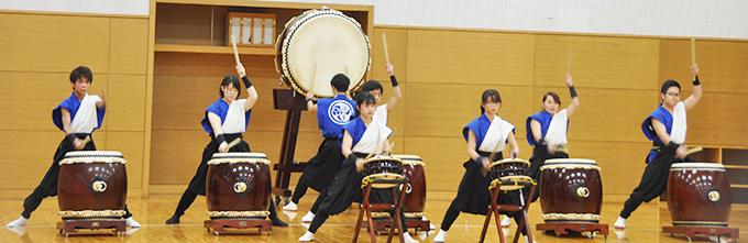 和太鼓部が神戸西警察署「術科始め式」で演奏のサムネイル