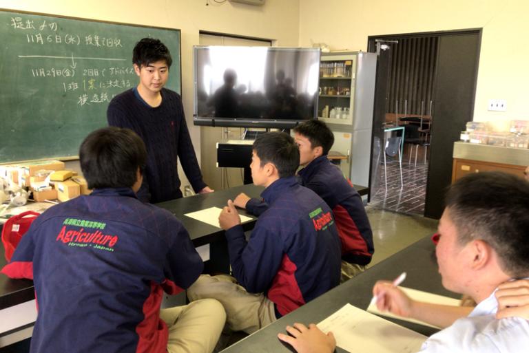 『流通・消費』を学ぶ本学学生と『生産・加工』を学ぶ高校生がタッグ!のサムネイル