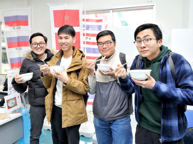 4カ国のおかゆを食べ比べ!留学生からのあたたかい『おもてなし』のサムネイル
