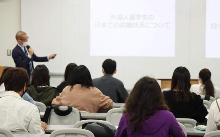 ウィズコロナの時代に、留学生が日本での就職に向けてやるべきこととは?のサムネイル