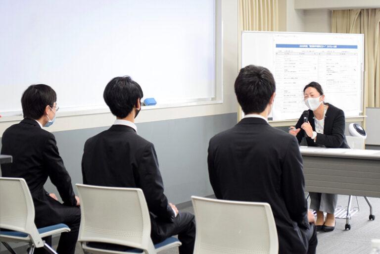 徹底的に就活対策を学ぶ2日間。3年生を対象に『就活集中特訓セミナー』を開催!のサムネイル