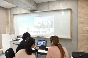 本学留学生と神戸村野工業高等学校の高校生たちが、オンラインで国際交流!