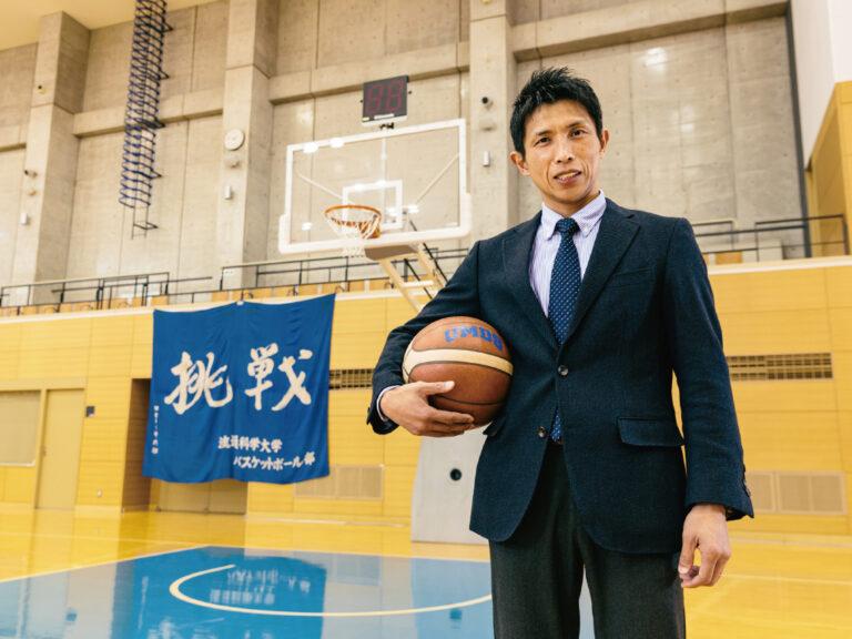 九州共立大学 スポーツ学科 准教授 バスケットボール部監督 川面 剛さんのサムネイル