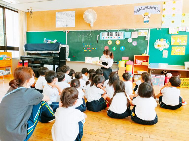 今年度初の幼稚園訪問。Libroの学生たちが『絵本の読み聞かせ』活動を再開!のサムネイル