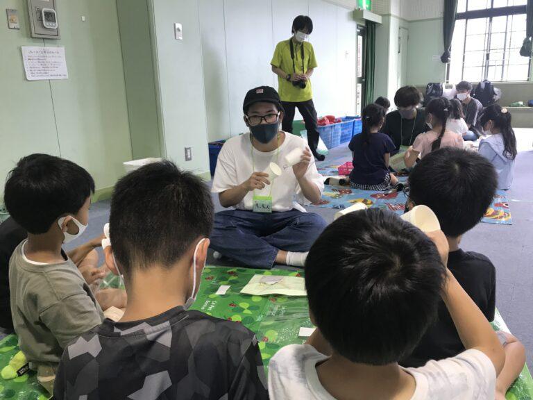 川合ゼミの学生が小学生を対象に工作教室を開催。時間通りに教える難しさを痛感!のサムネイル
